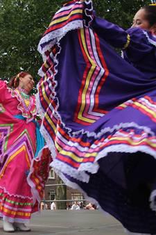 Dias Latinos laat iedereen bewegen