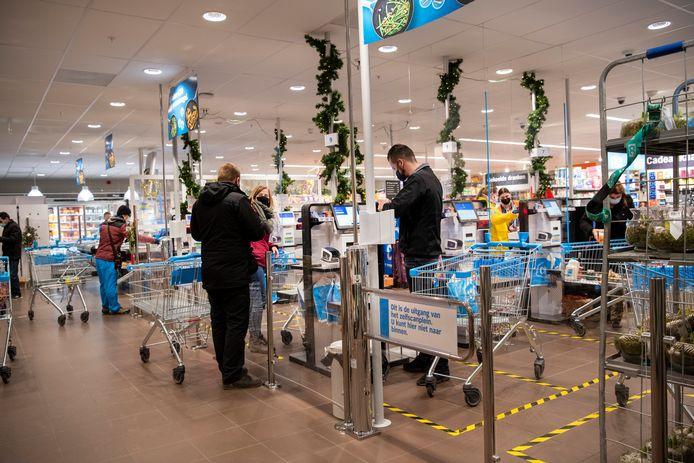 Als het aan de FNV ligt kunnen we tijdens de kerstdagen geen boodschappen doen in de supermarkt.