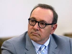 Affaire Kevin Spacey: la cour révèle des messages de la victime