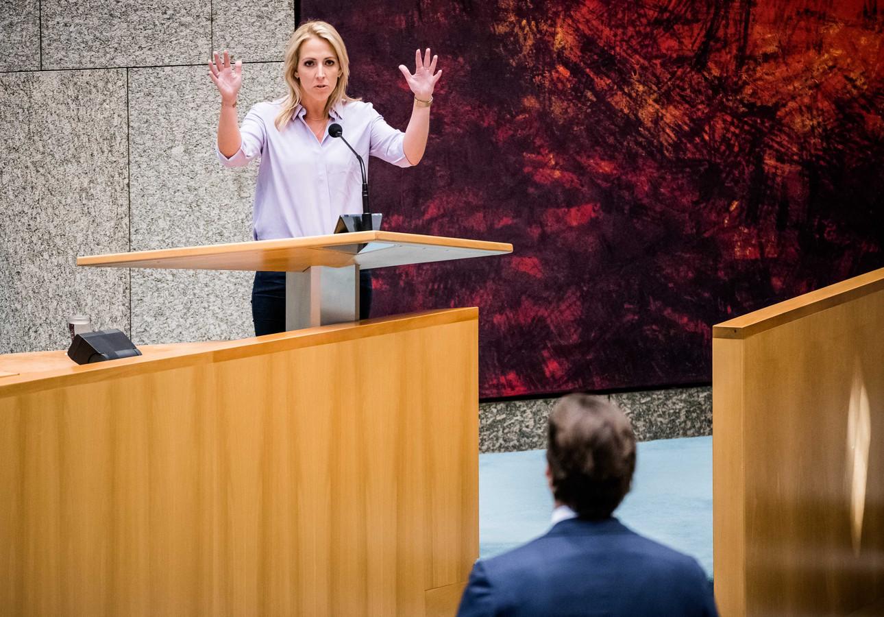 Lilian Marijnissen wil uitleg van Zorgminister Hugo de Jonge over het gebrek aan registratie mensen die de bron vormde voor een corona-infectie.