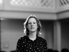 Nicolaaskerk Helvoirt als decor van lezing Tineke Steenbrink  over kerkelijke muziek: 'Het klinkt prachtig'