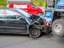 Automobilist vlucht na aanrijding met vrachtwagen in Roosendaal