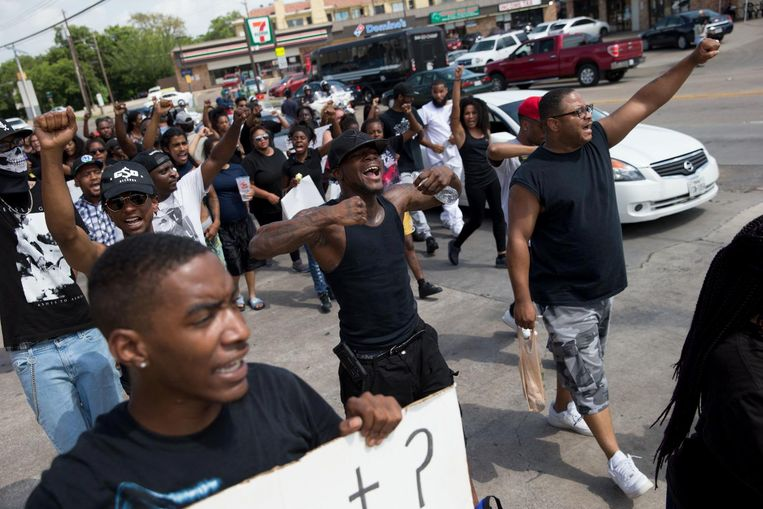 Een Black Lives Matter protestmars in Dallas op zondag 10 juli. Beeld ap