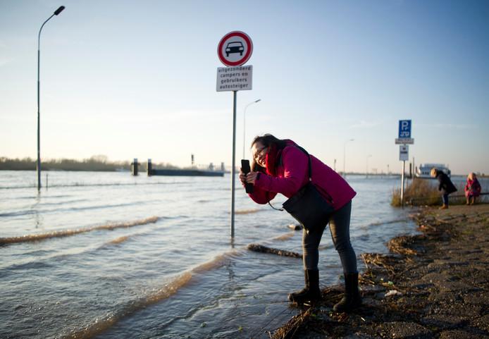Hoogwater in de Rijn bij Lobith. Archieffoto: Robin Utrecht