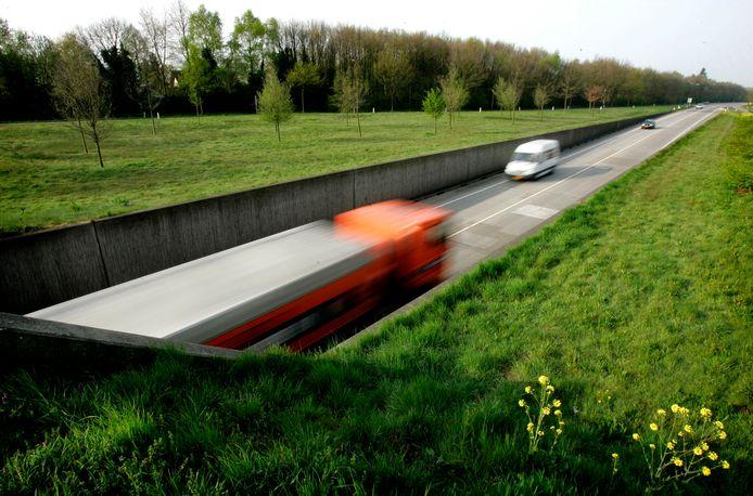 De N270 bij Deurne krijgt dan toch parallelwegen. Dit tot teleurstelling van een groep van dertig omwonenden die het niet eens is met de plannen.