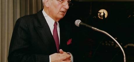 Oud-burgemeester Combée (90) van 's Gravenmoer overleden