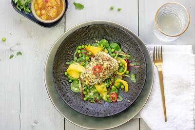 Wat Eten We Vandaag: Kabeljauw in pistachekorst met doperwten-mangosalade