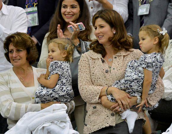 De tweelingszusjes, hier gekiekt in 2012, zijn intussen bijna vijf jaar