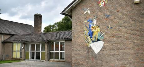 Gymzaal in Vriezenveen voorlopig niet tegen de sloophamer: 'Nog te vroeg'