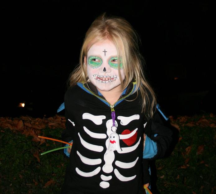 Ook de kinderen kwamen in stijl naar de Halloweentocht.