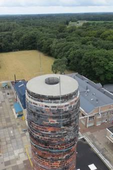 Risico op vallend puin: schoorsteen Elementis Delden wordt gesloopt