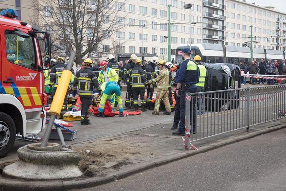 Chaos na het ongeval op de Blancefloerlaan.