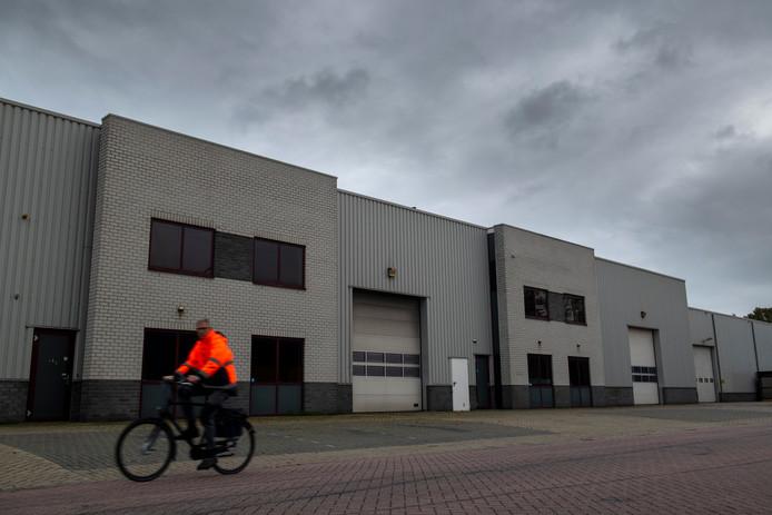 Het voormalige bedrijfspand van het transportbedrijf van Dennis D.  in Nieuwleusen.