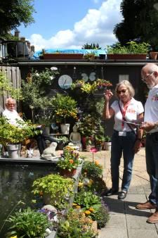 Vreewijk siddert: 'Daar zijn de tuinwijven weer!'