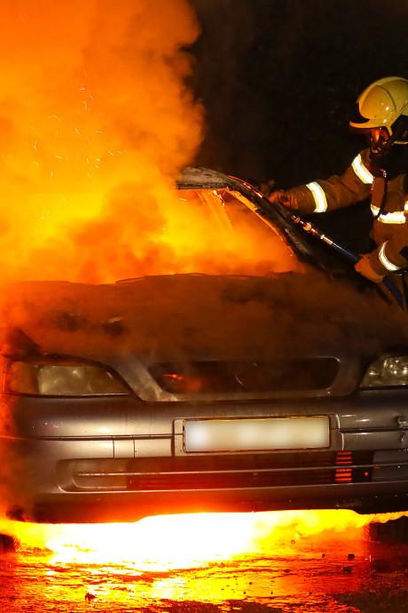 Politie maakt profiel van dader autobranden Oss: 'Brandstichter komt uit Oss of directe omgeving'
