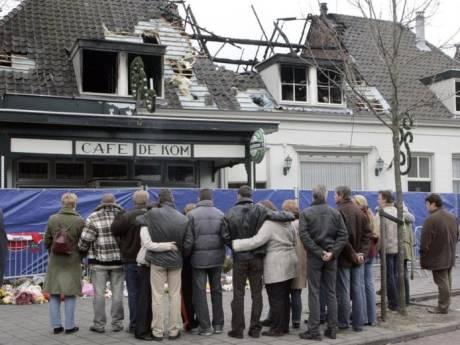 Jong gezin stierf bij brand in café vlak voor Sinterklaas: 'Er stond een auto vol met sinterklaascadeaus klaar'