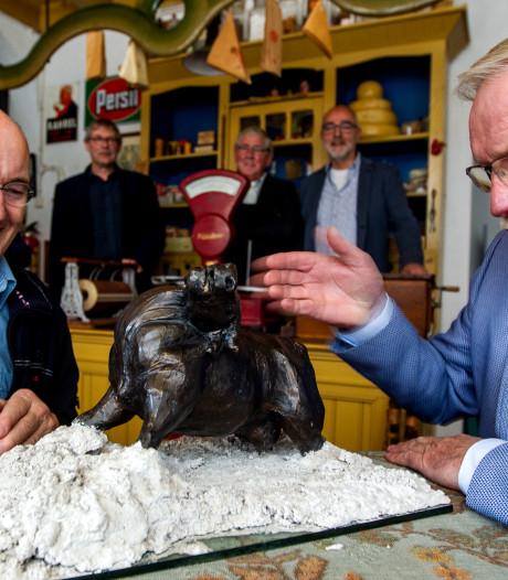 Bronzen stier uit MKZ-crisis naar Wijhes Museum