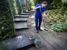 Eenvoud siert graf bisschop Ernst in Breda, maandag begrafenis