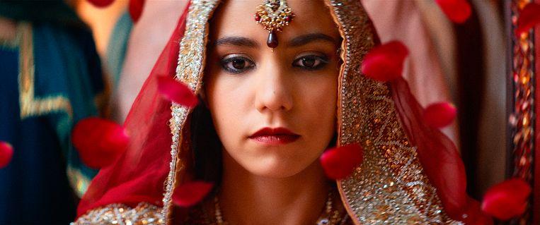 De jonge Lina El Arabi maakt als Zahira haar filmdebuut. Beeld RV