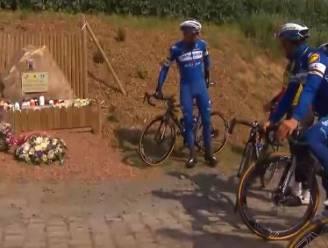 VIDEO. Renners van Deceuninck-Quick.Step leggen bloemenkrans neer aan gedenksteen Michael Goolaerts