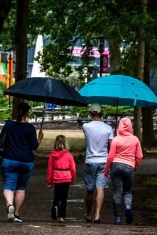 KNMI waarschuwt Oost-Nederland voor hagel en onweer op zaterdagmiddag