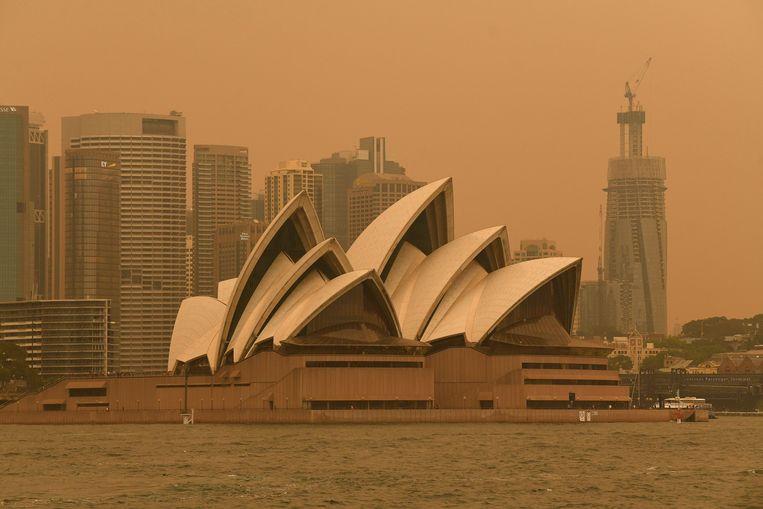 Sydney ligt onder een deken van giftige rook.