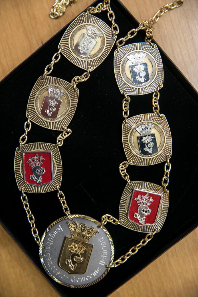 De ambtsketen van de jeugdburgemeester van Helmond