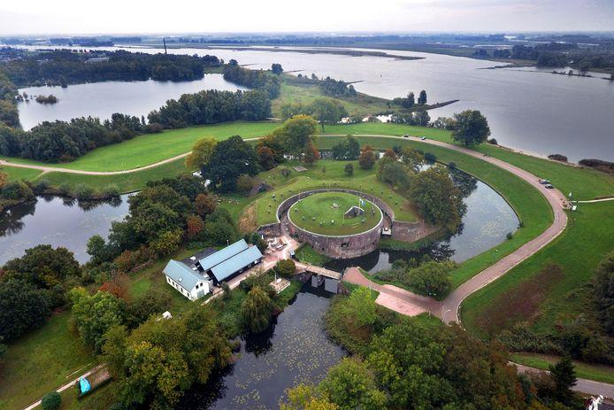 Zin om kunst te bekijken op een fort? Dat kan aankomend weekend bij Fort Vuren (zie foto).