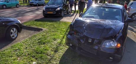 Auto's op elkaar gebotst in Deurne