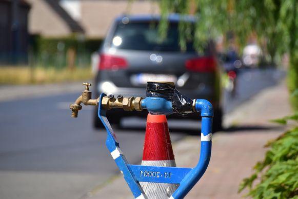 De Watergroep plaatste in het begin van de Roterijstraat een standpijp, een tijdelijke openbare kraan waar iedereen water kon halen.