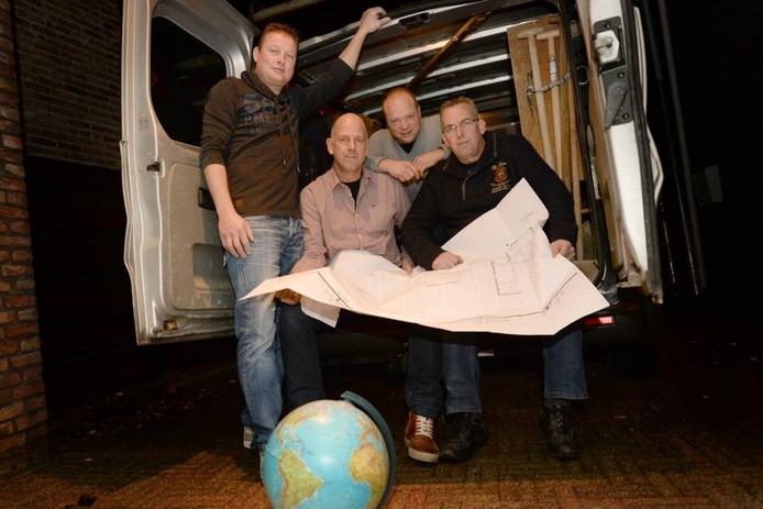 De Vier Vrienden van Bokki. Van links naar rechts: John IndeWeij, Richard van Stel, Cor Akkermans en René 'Bokki' Adriaansen.