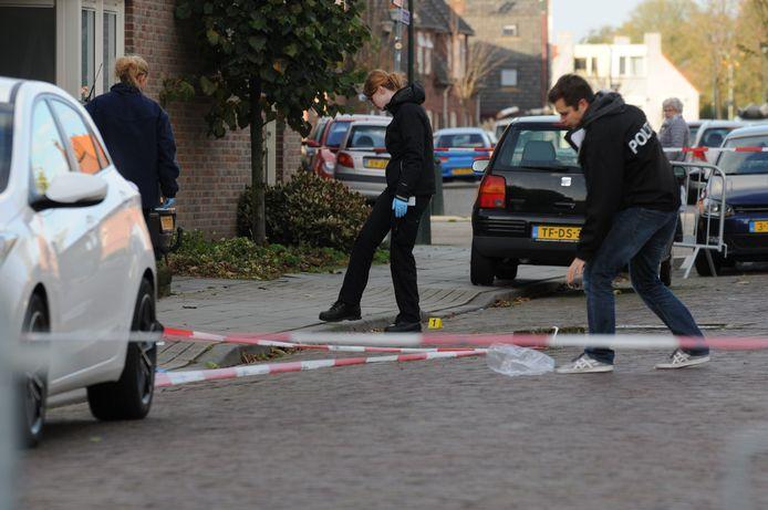 De politie doet onderzoek na de mishandeling aan de Verlengde Morsestraat in Winterswijk.