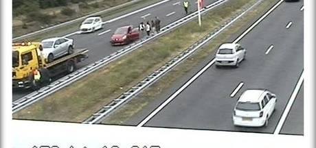 Rijstroken A58 tijdelijk dicht richting Tilburg door ongeval bij Oirschot