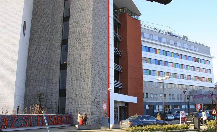 Het Fysiek Triagecentrum Middenkempen in het AZ Herentals krijgt sinds donderdag administratieve ondersteuning van medewerkers en vrijwilligers.