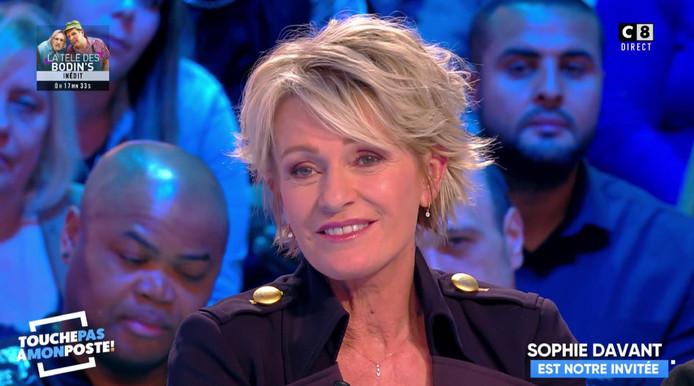 """Sophie Davant sur le plateau de """"Touche pas à mon poste""""."""