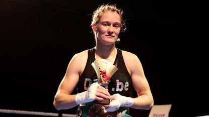 Delfine Persoon verdedigt vanavond haar wereldtitel in Boksgala Zwevezele