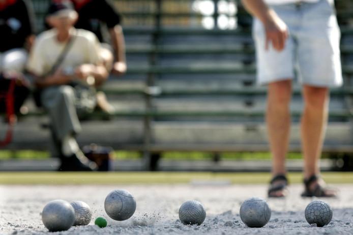 Ook in Heerjansdam kan voortaan petanque gespeeld worden.