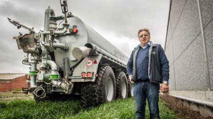 """VIDEO: Mobiele beregeningspomp moet landbouwers helpen in strijd tegen droogte: """"De pomp is sterker dan die van een brandweerwagen en kan tot 150 meter ver spuiten"""""""