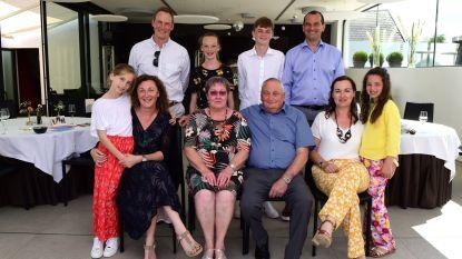 Willy en Anni vieren 50 jaar huwelijksgeluk (en ook de kinderen bouwen een feestje)