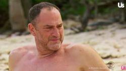 Amerikaanse versie 'Expeditie Robinson' stuurt kandidaat naar huis na tweede incident van ongewenste intimiteiten
