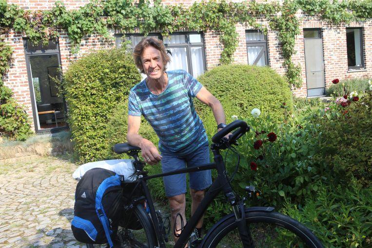 Bart Seghers is klaar voor zijn fietstocht.