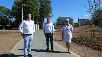 Zuiderlaan en oude Schakelstraat officieel geopend met wandeling