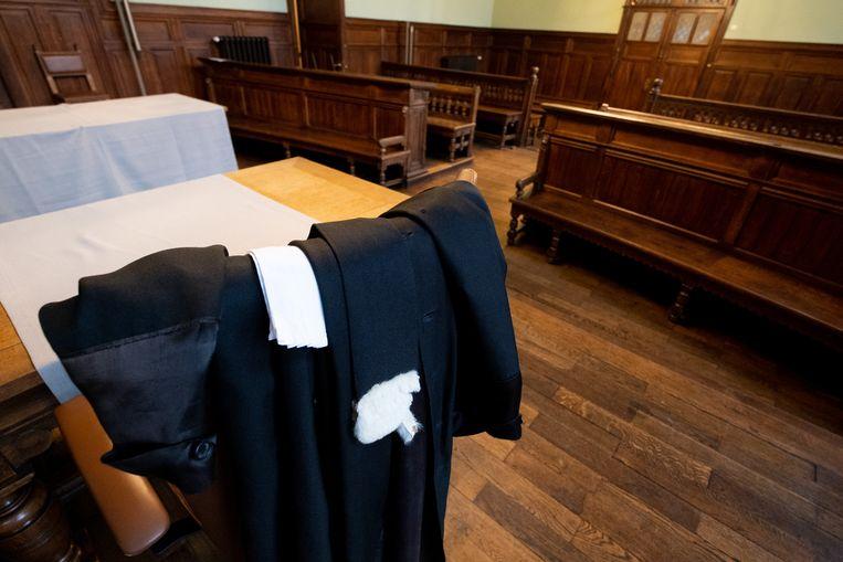 De toga van een advocaat in de correctionele zittingzaal van de rechtbank in Mechelen.