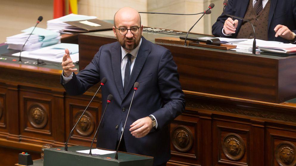 """LIVE: Calvo: """"Premier Michel moet kiezen tussen 'coalition of the willing' of N-VA"""""""