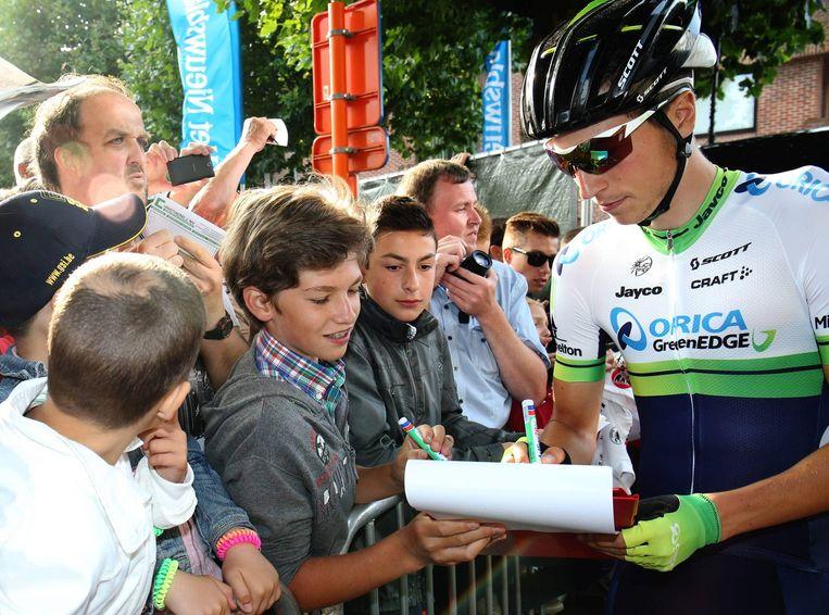 De organisatoren leggen dit jaar een handtekenzone aan waar je een handtekening van je favoriete renner kunt bemachtigen, zoals hier van Jens Keukeleire .
