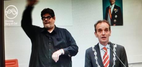 Rel om 'doventolk' bij persconferentie Berg en Dal: 'Beschamend en respectloos'