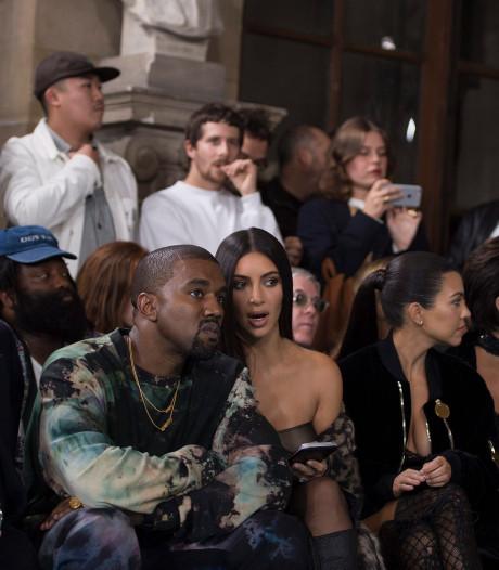Kim Kardashian voor het eerst sinds beroving terug in Parijs