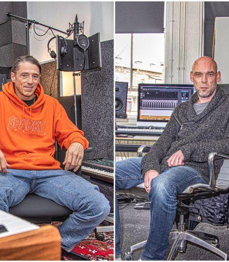 De mannen achter de sound van Sticks en Typhoon