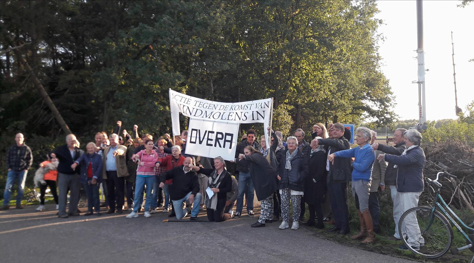 Actie tegen windmolens door bewoners van Overa in Breda, eerder deze week.