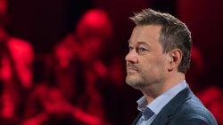 Nu zijn grootste tegenstander bij VRT is ontslagen: staat de deur weer op een kier voor Bart De Pauw?